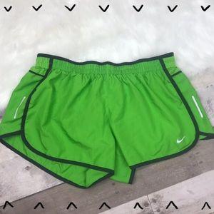 b36fd6a1fb ... Nike Dri-Fit green running shorts size large ...